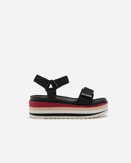Flat sports sandals