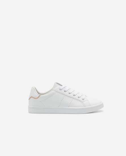 Topstitched sneakers with heel detail