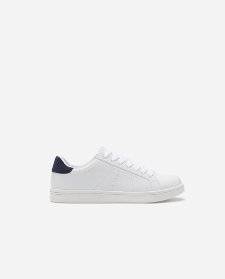 Basic heeled plimsolls