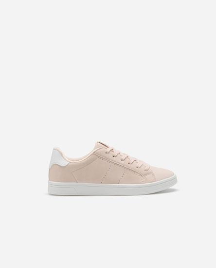 Total pink sneakers with heel detail
