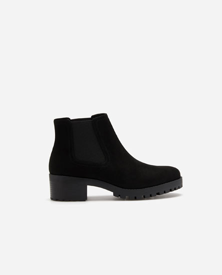 High-heel track sole chelsea boots