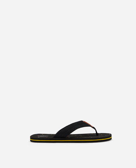 Toe-post pool sandals