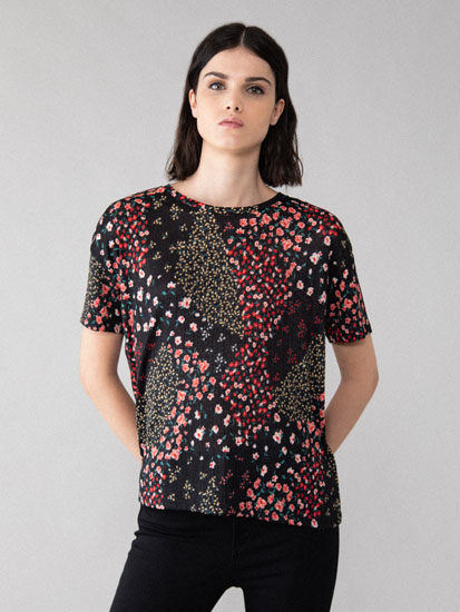 Flowing textured T-shirt with print