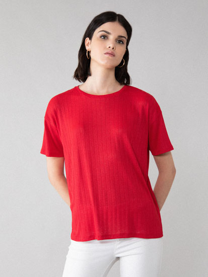Flowing textured T-shirt