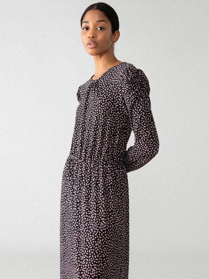 Vestido longo con manga abullonada