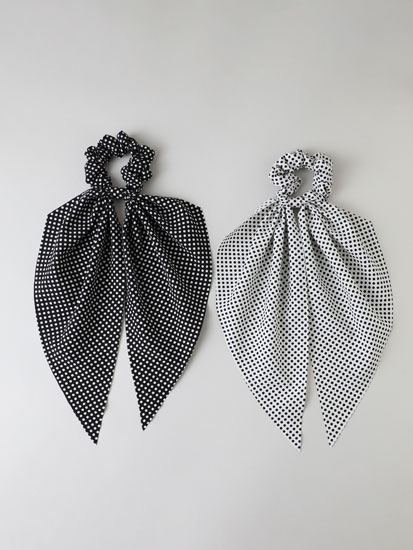 2-Pack of polka dot scrunchies