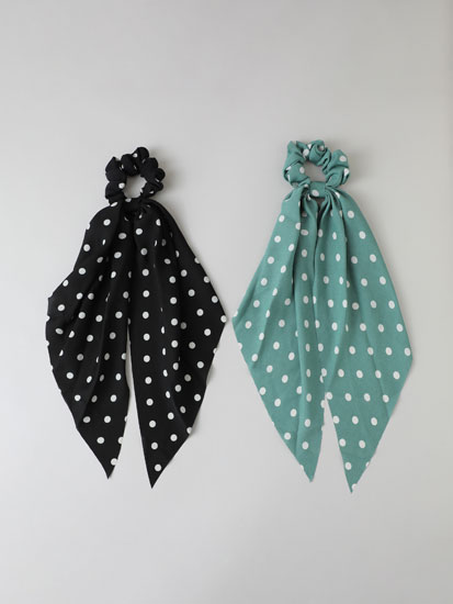 2-Pack of polka dot scrunchies