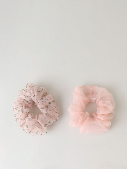 2-Pack of organza scrunchies