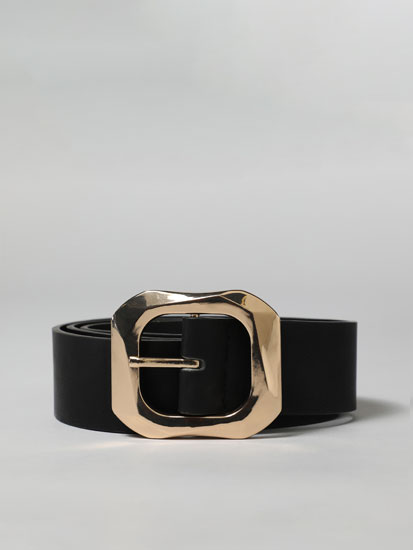 Belt with rectangular buckle