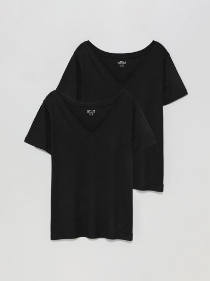 2-Pack of basic V-neck T-shirts