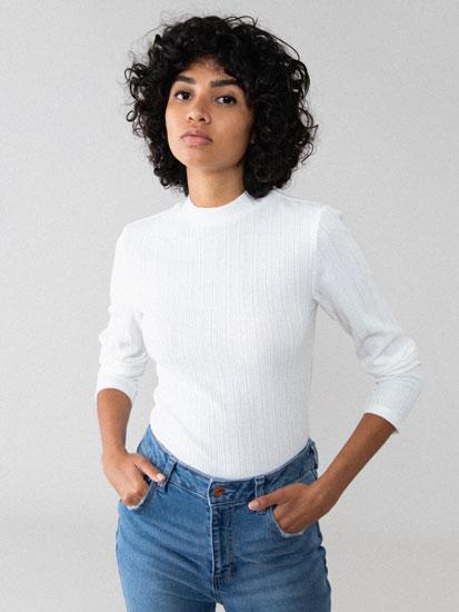 Camiseta de canalé con cuello perkins