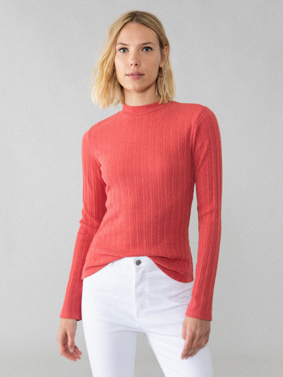 Ribbed T-shirt with high neck