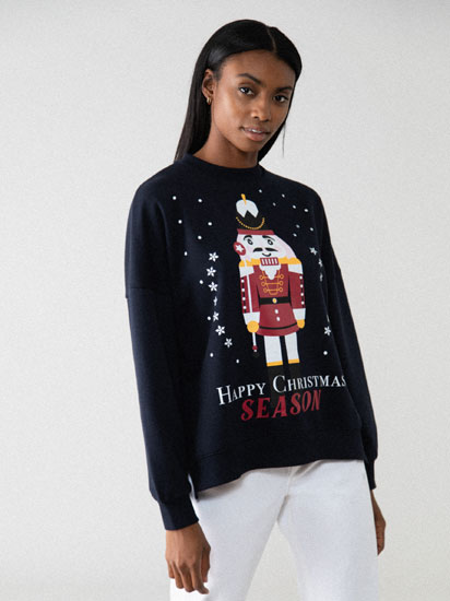 Oversized sweatshirt with a Christmas print