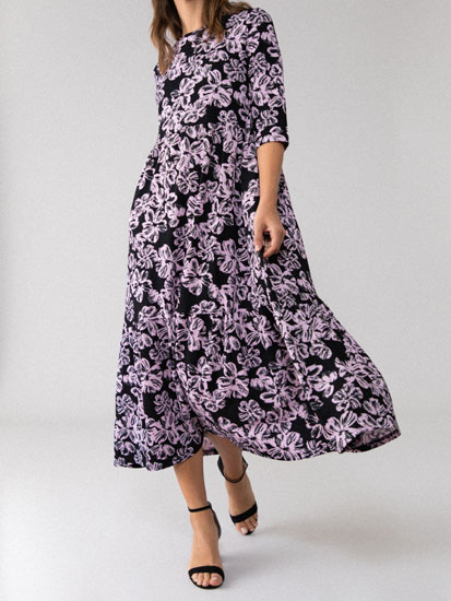 Midi dress with a ruffled hem