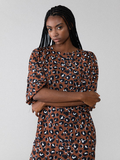 Printed midi dress with puff sleeves