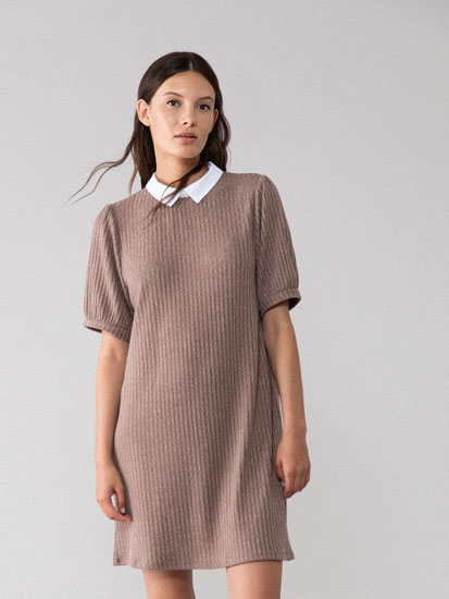 Short sleeve dress with Peter Pan collar