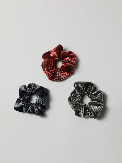 3-Pack of velvet scrunchies