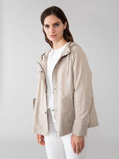 Lightweight short parka