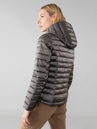 Lightweight shiny puffer jacket