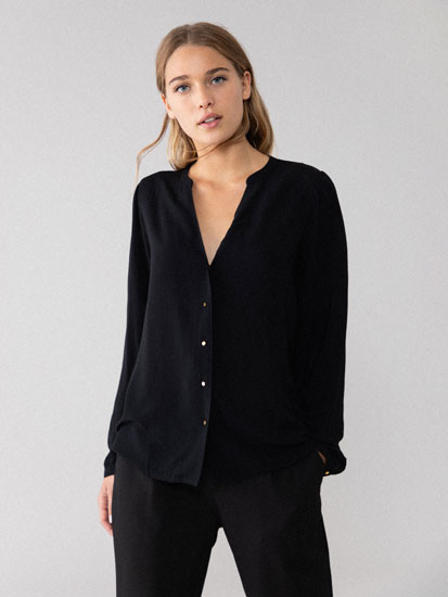 Basic button-up shirt with V-neck