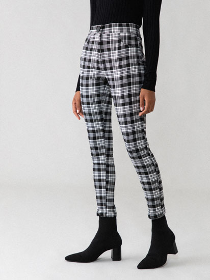 Checked jeggings with button