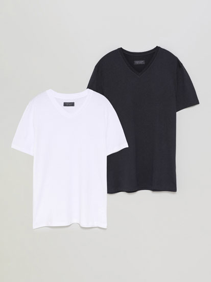 Pack of 2 basic V-neck T-shirts