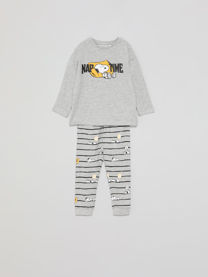 Set of pyjamas with a Snoopy™ print