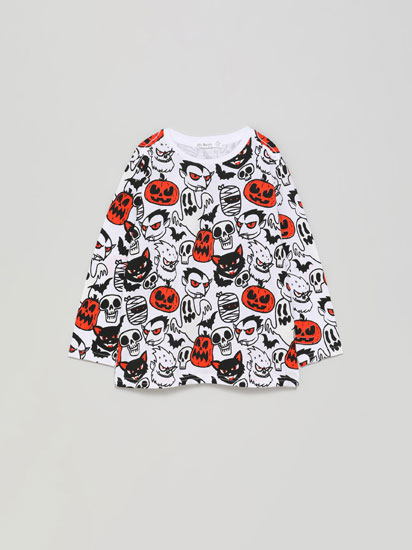 T-shirt de Halloween com estampado que brilha no escuro