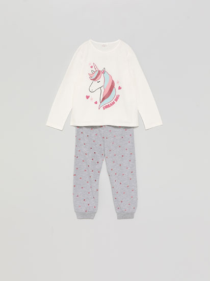 Pyjamas with shiny animal motifs