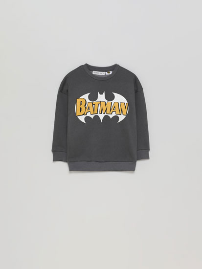 Sweatshirt Batman © DC com pormenor fosforescente.