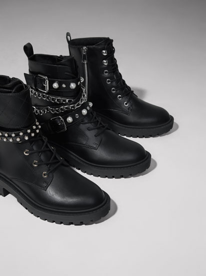 Biker boots with faux pearls