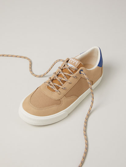 Soft contrast sneakers