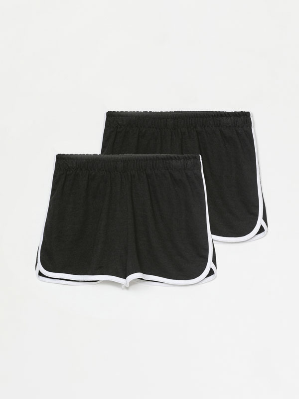 Pack of 2 pairs of basic plush shorts with piping