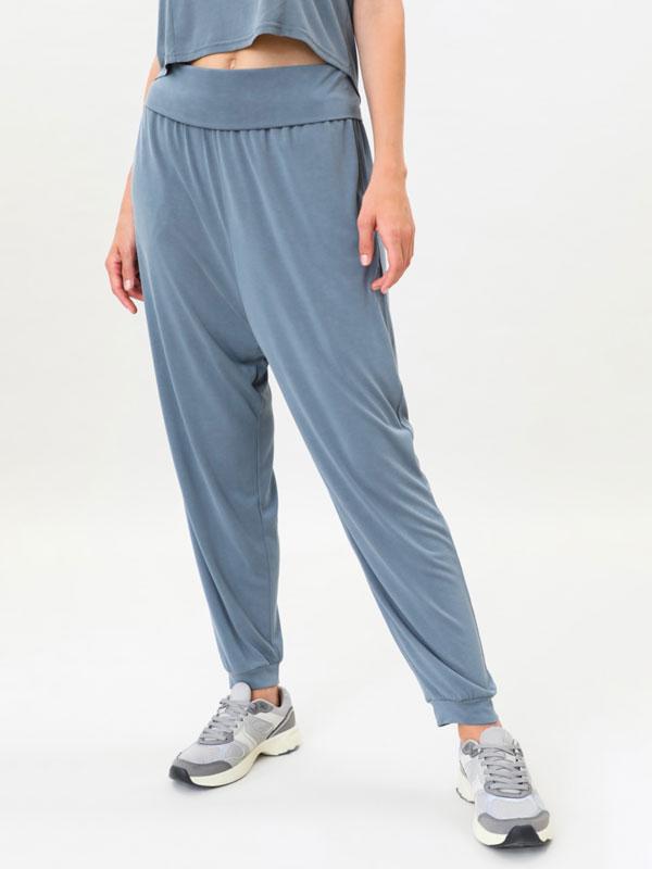 Pantalón fluído deportivo