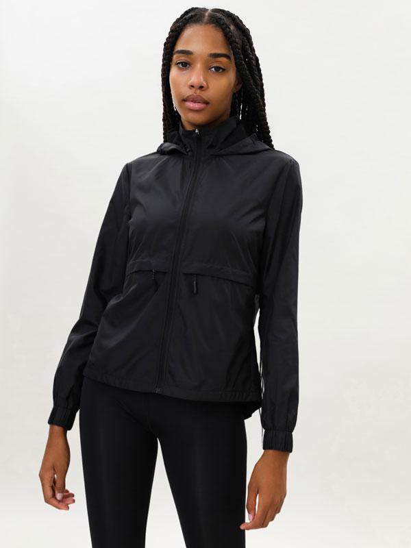 Sports windbreaker jacket