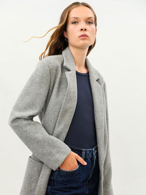 Woolly fabric coat