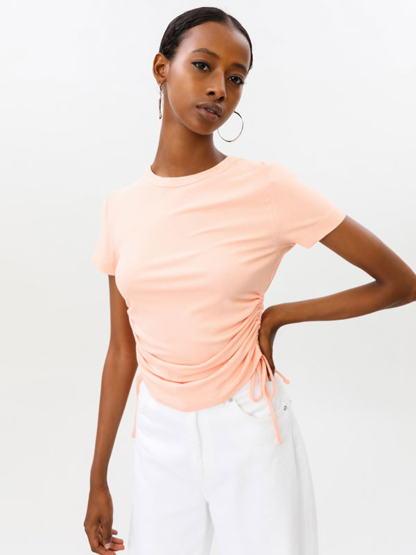 T-shirt with ruched sides