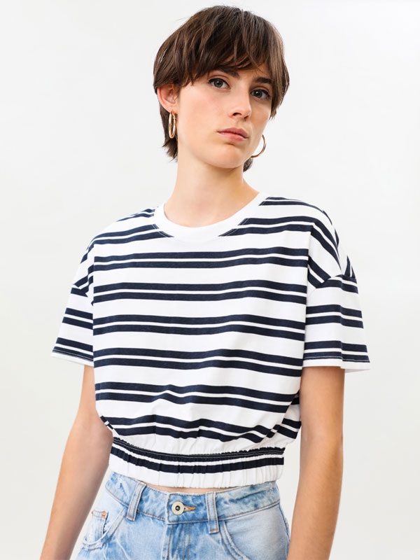 Cropped T-shirt with elastic hem