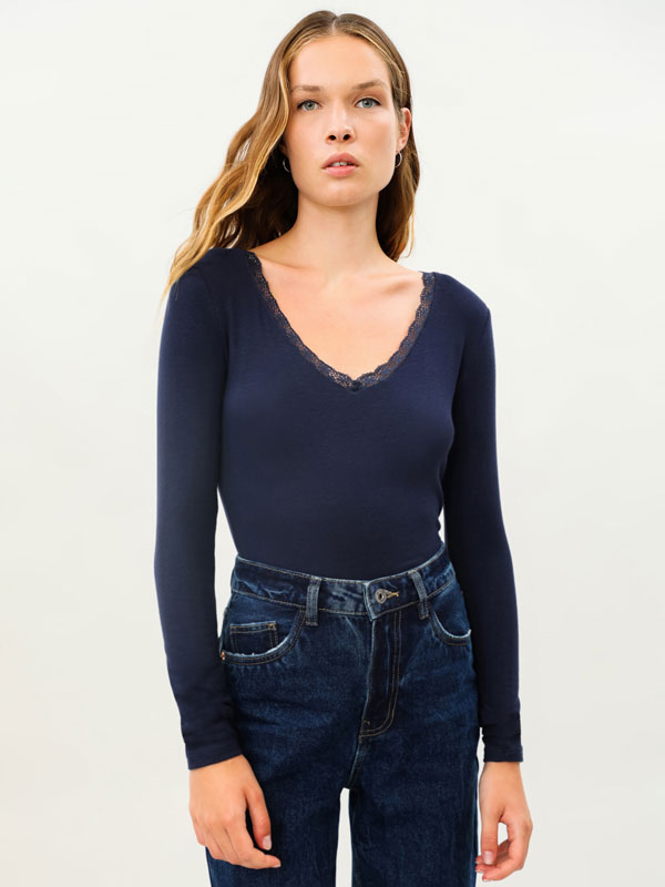 Long sleeve T-shirt with lace detail