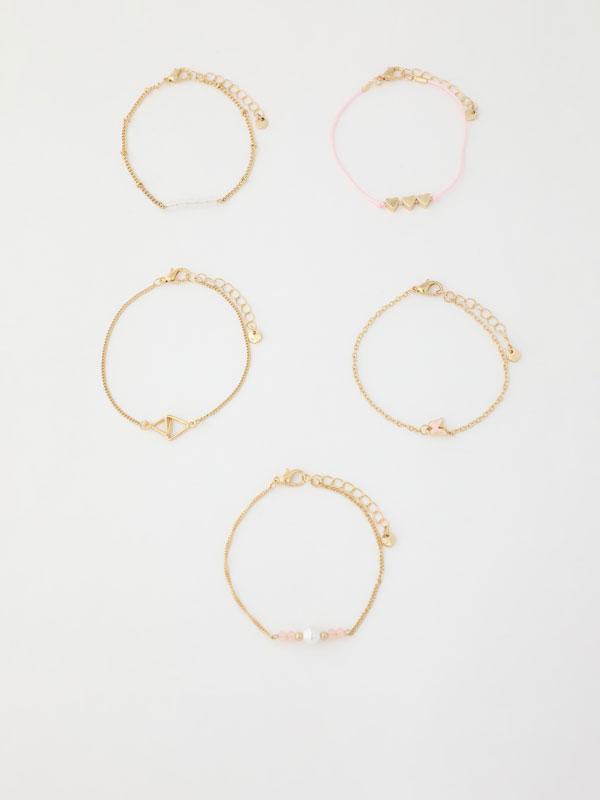 Pack of 5 assorted bracelets.