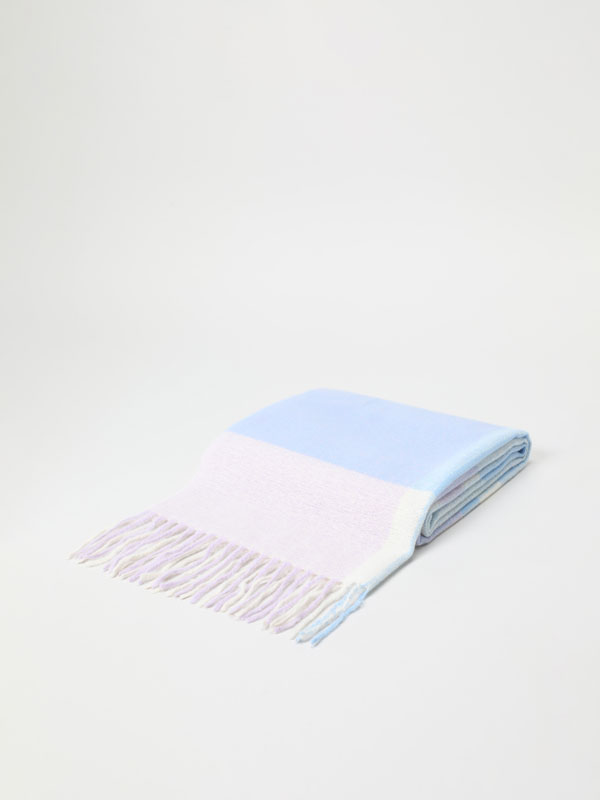 Fluffy maxi scarf