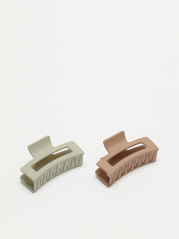 Pack of two boxy hair clips