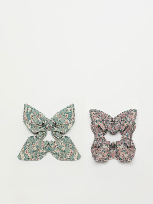 2-Pack of printed scrunchies