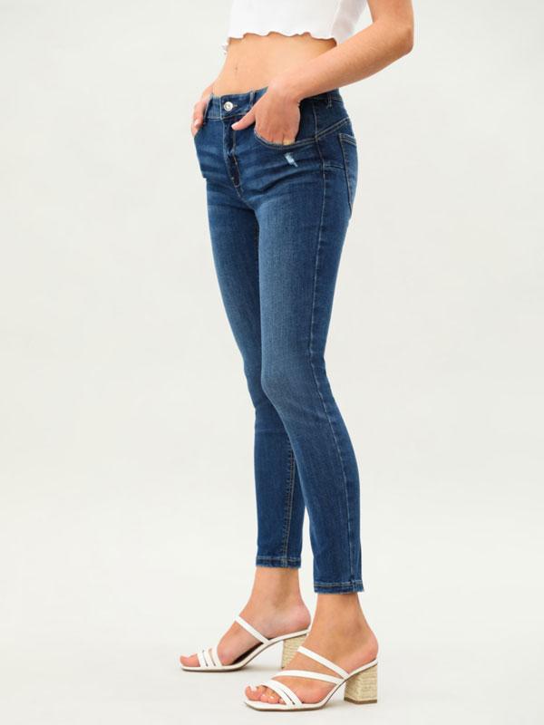 Jeans push-up básicos