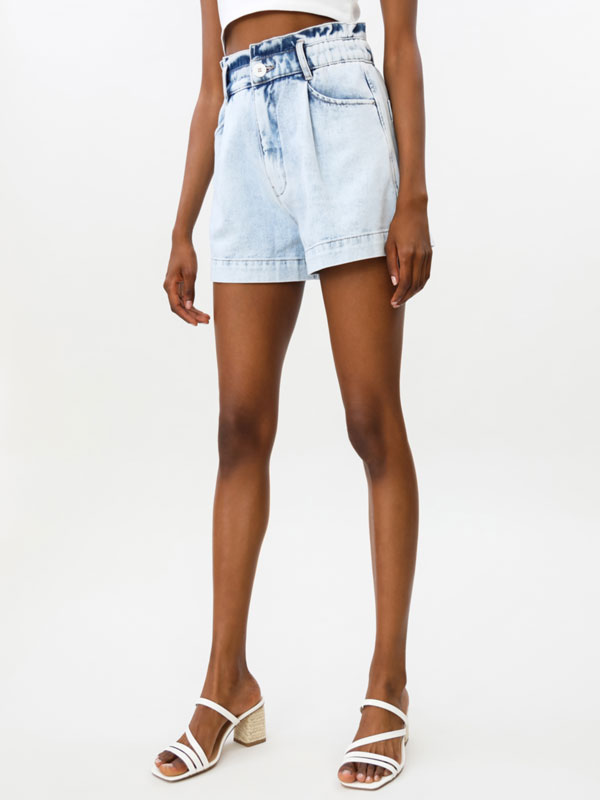 Denim shorts with elastic waist