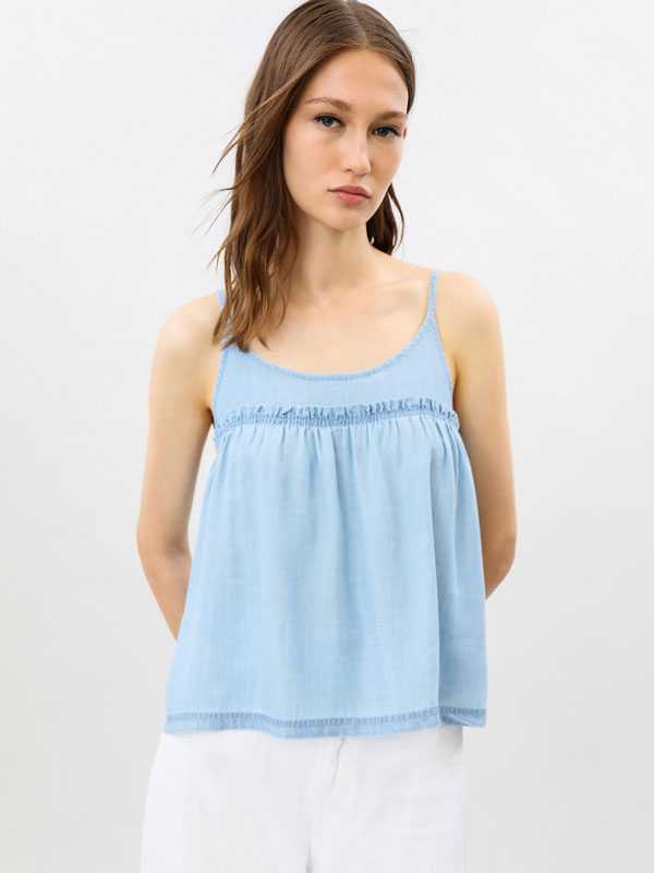 Lightweight top with thin straps
