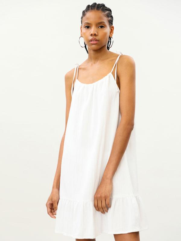 Lightweight dress with a ruffled hem