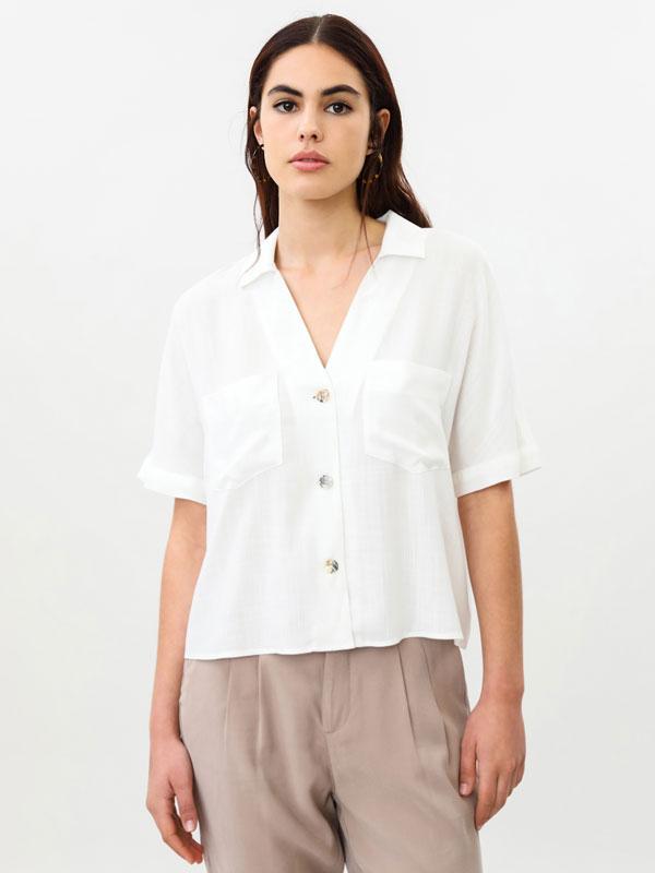 Short sleeve rustic loose-fitting shirt
