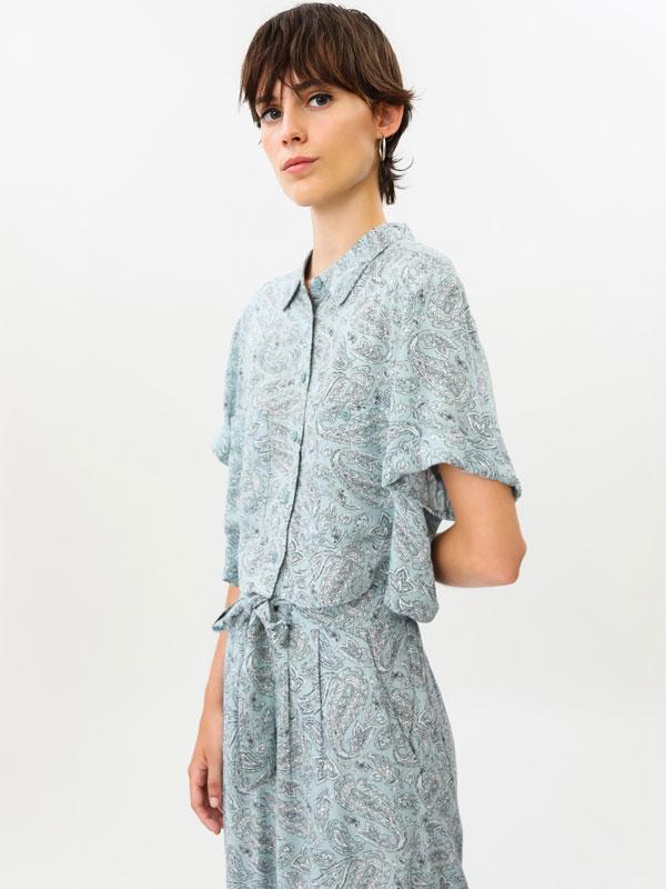 Short sleeve cropped shirt