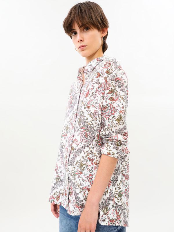 Textured lightweight shirt